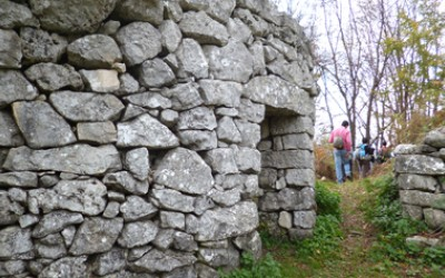 Le capanne in pietra a tholos