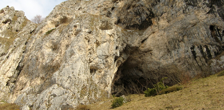 grotta_corvi_02.JPG